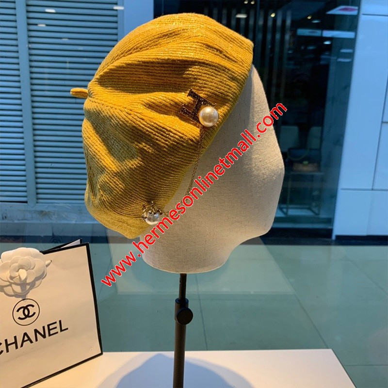 Hermes Pear Chain H Beret In Yellow