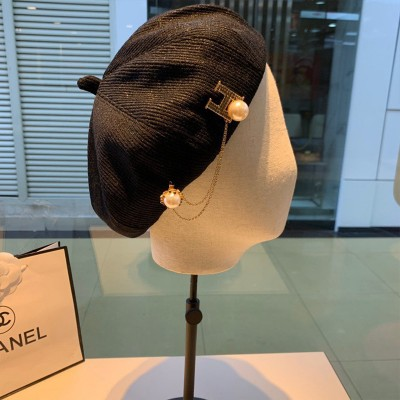 Hermes Pear Chain H Beret In Black