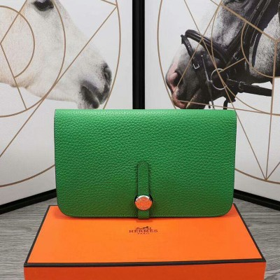 Hermes Dogon Card Holder Togo Leather Palladium Hardware In Green