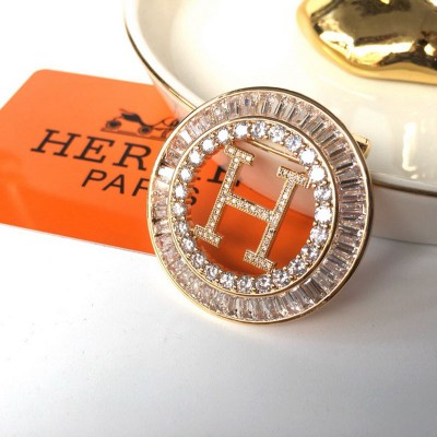 Hermes H Hollow Earring In Gold