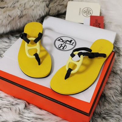 Hermes Kala Nera Sandal In Yellow