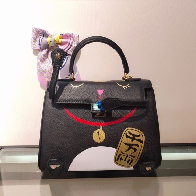 Hermes Kelly Lucky Cat Bag Togo Leather Gold Hardware In Black